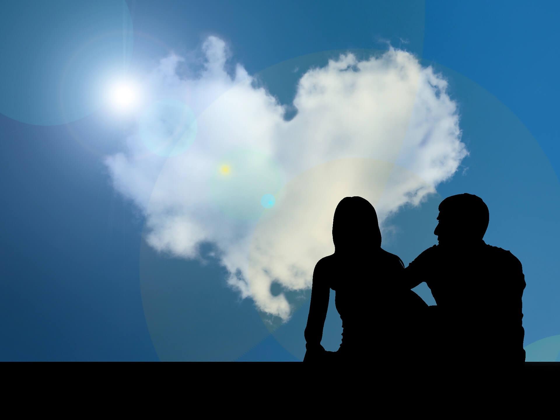 Silhouette von zwei Seelenpartnern